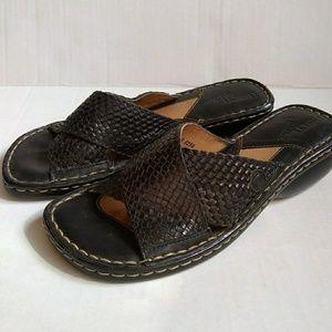 Born Drilles Slip on Shoe 7 M